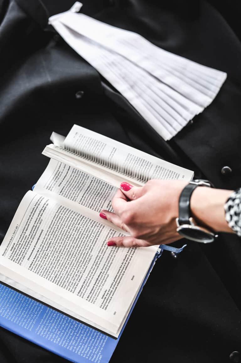 Advocaat verbintenissenrecht Enschede